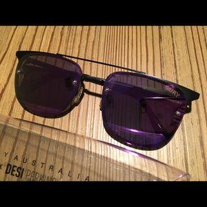 Quay Australia Mirror Sunglasses- GUC